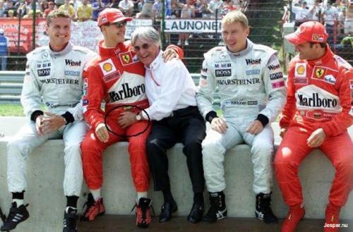 F1-förare myser