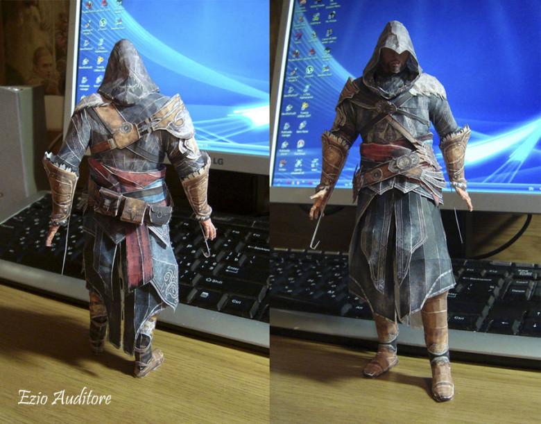 Papercraft Ezio