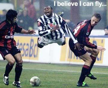 Flygande fotbollsspelare