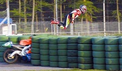 Flygande motorcyklist