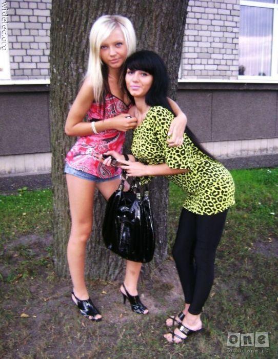 Söta tjejer (126 bilder)